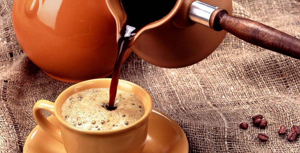 Наливание кофе